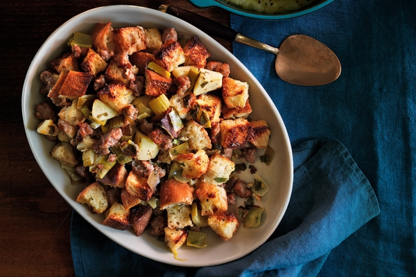 600x400_sausage-apple-and-sage-stuffing1441906021