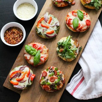 Crop-Mini-pizza-bites11.jpg