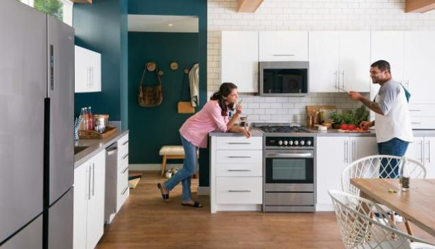 Haier-kitchen-stainless-appliances-2048px.jpg